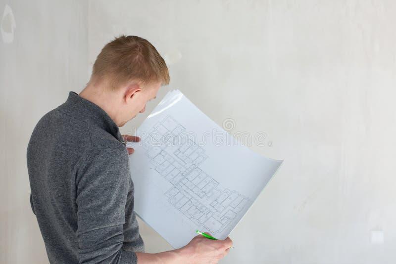 Modelli d 39 esame di un ingegnere su costruzione immagine for Costruzione di un pollaio su ruote