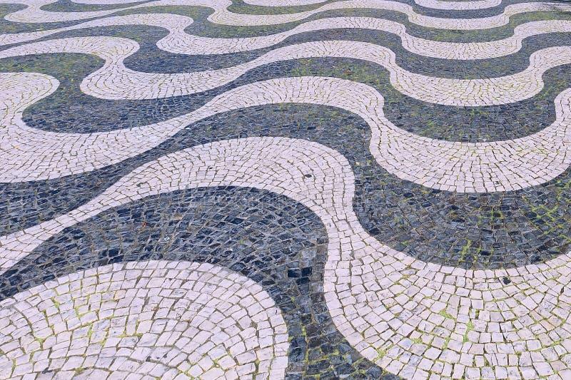 Modelli della pavimentazione delle mattonelle dell'estratto di Lisbona Portogallo immagine stock libera da diritti