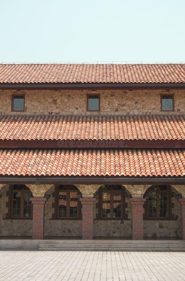 Modelli e finestre del tetto di mattonelle rosse immagine stock immagine di mattone castello - Modelli di finestre ...