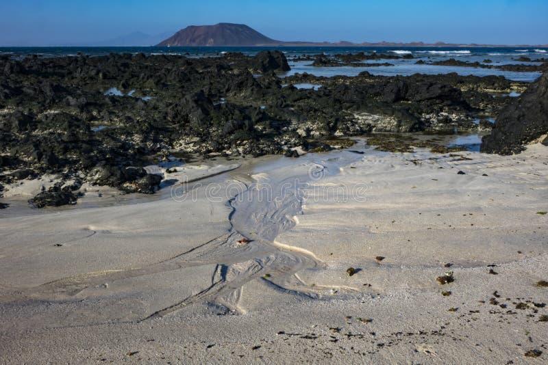 Modelli nella sabbia alla scarsa visibilità nel parco naturale in Corralejo Fuerteventura Spagna fotografie stock