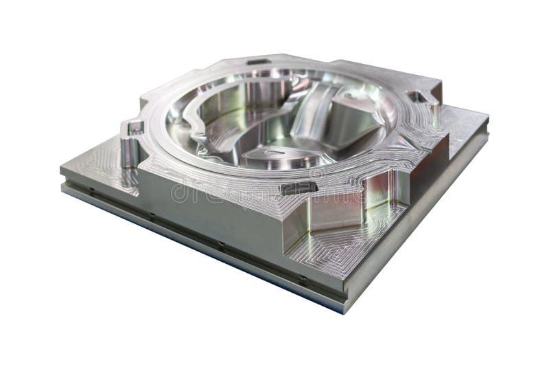 Modelli o muoia il pezzo meccanico dalla fabbricazione dal materiale del centro di lavorazione di CNC fatto dall'acciaio isolato  immagini stock
