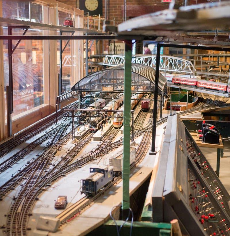 Modelljärnväg royaltyfria bilder