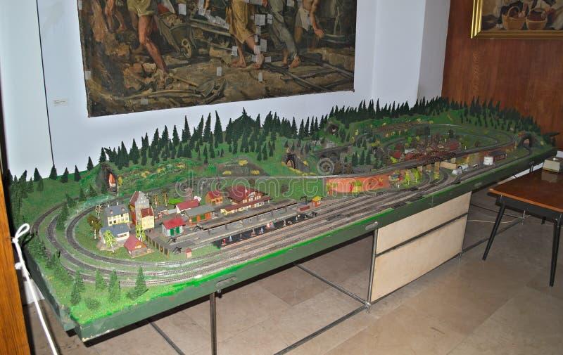 Modelljärnvägtabell på skärm i museum arkivfoton