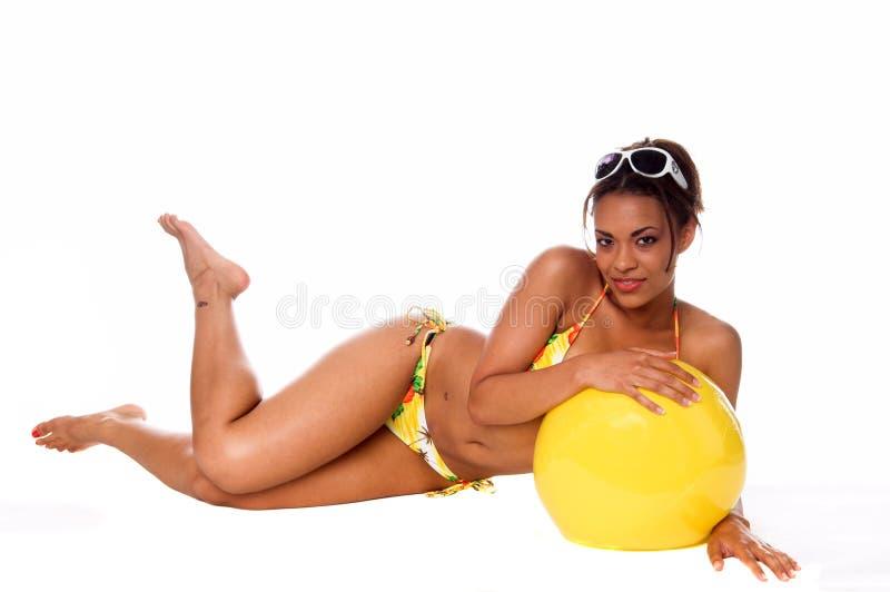 Modello africano del bikini fotografia stock