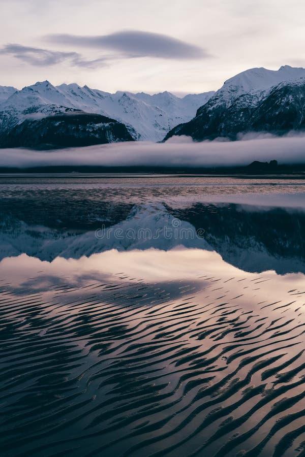 Modello astratto sul Chilkat, Haines Alaska della sabbia fotografia stock libera da diritti