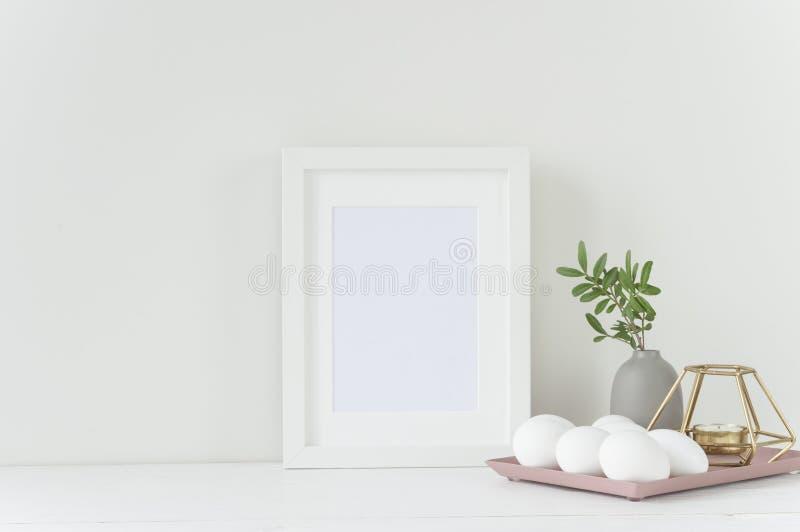 Modello bianco della struttura con la composizione in Pasqua immagine stock libera da diritti
