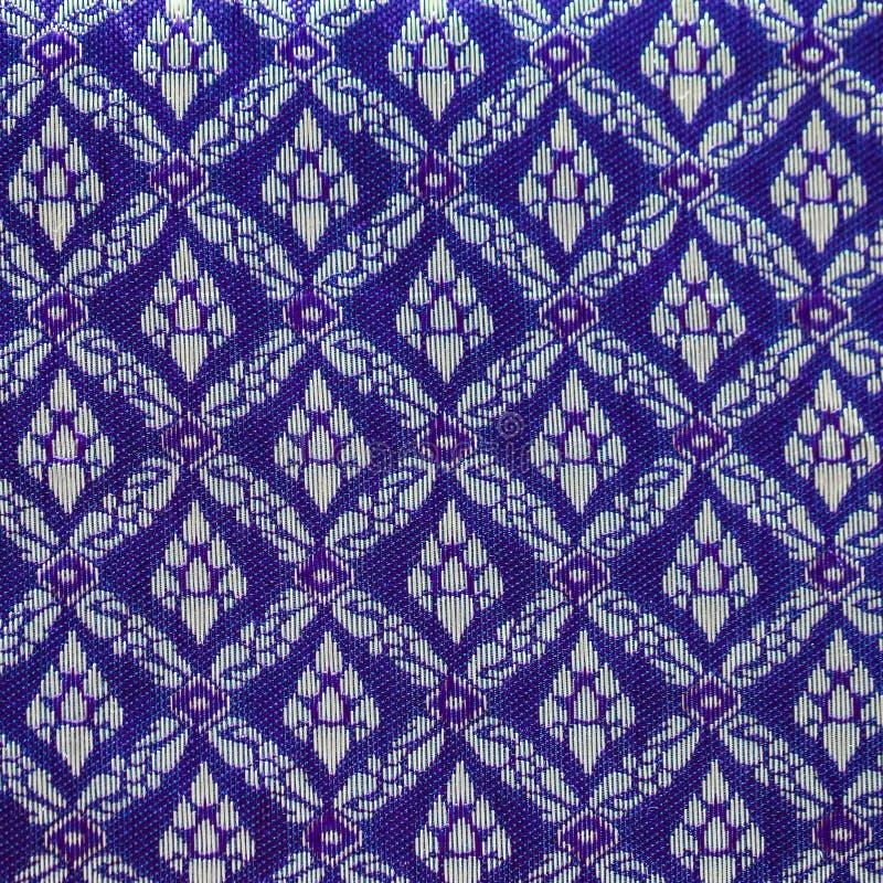 Modello blu di seta tailandese, stile del tessuto della Tailandia immagini stock libere da diritti