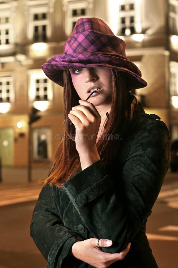 Modello in cappello fotografia stock libera da diritti