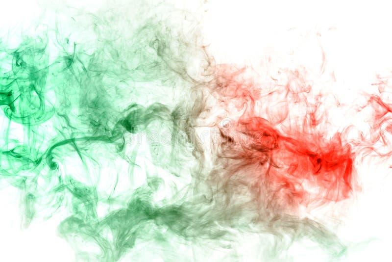 modello con una sostanza tossica verde che assorbe il liquido rosso come un'infezione o malattia Stampa per la maglietta Inchiost fotografia stock