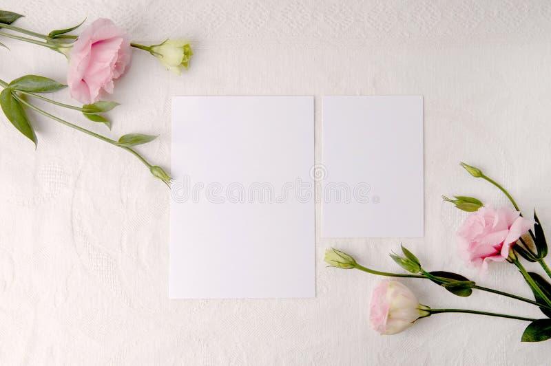 Modello degli inviti di nozze fotografia stock libera da diritti
