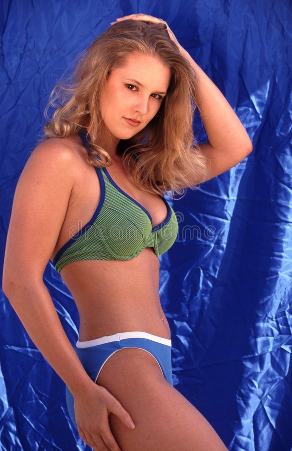 Modello del bikini immagine stock libera da diritti