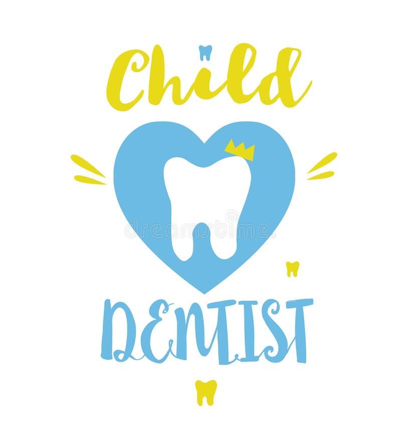 Modello del logo del dentista del bambino con il dente del fumetto La mano ha schizzato la tipografia dell'iscrizione Isolato su  fotografia stock libera da diritti