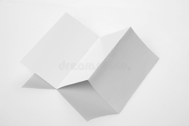 Modello dell'opuscolo del documento cartaceo piegato dimensione di Trilfold A4 immagine stock