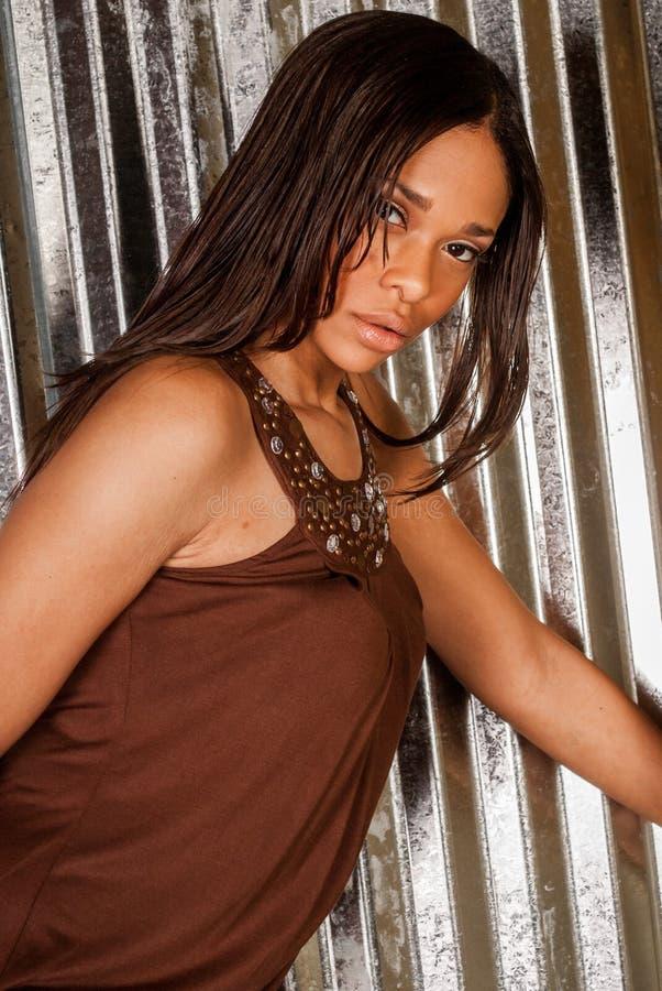 Modello di moda afroamericano sexy fotografia stock libera da diritti