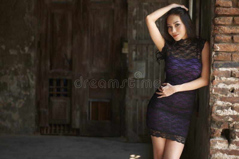 Modello di moda asiatico fotografia stock libera da diritti