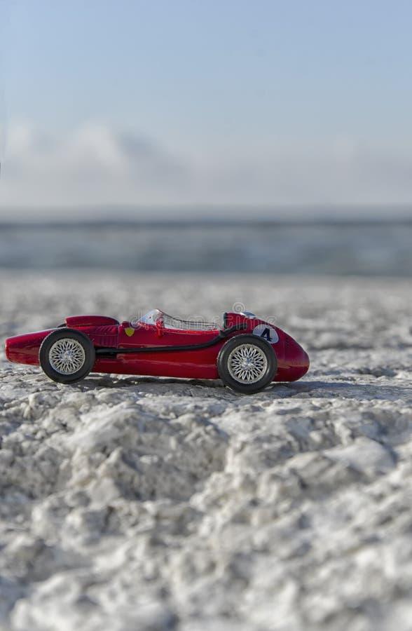 Modello di scala di vecchia automobile classica fotografia stock