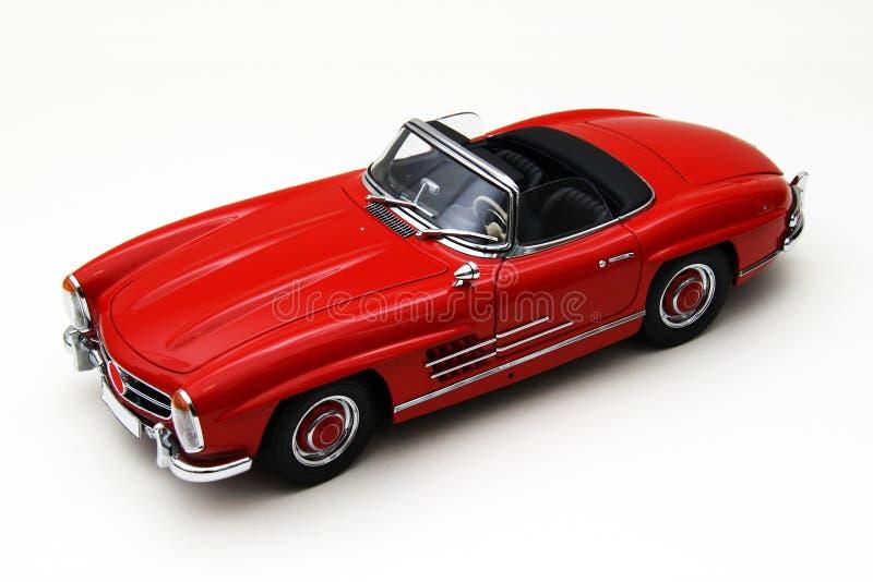 Modello di un'automobile classica rossa fotografie stock libere da diritti