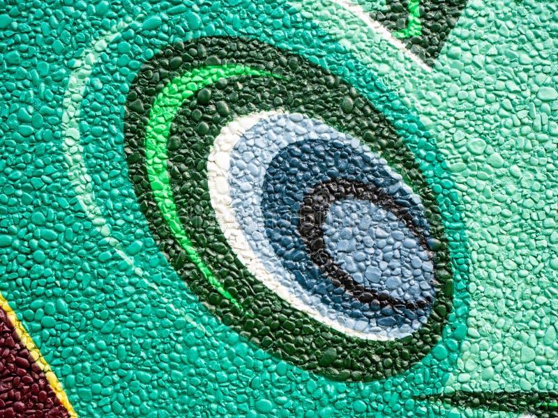 Modello dipinto variopinto della decorazione della parete della roccia immagine stock
