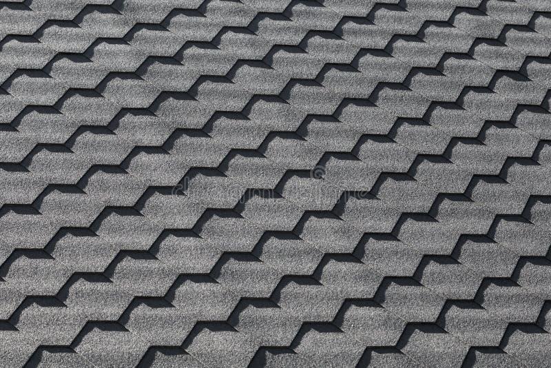 Modello nero moderno della piastrellatura del tetto, struttura del fondo immagini stock