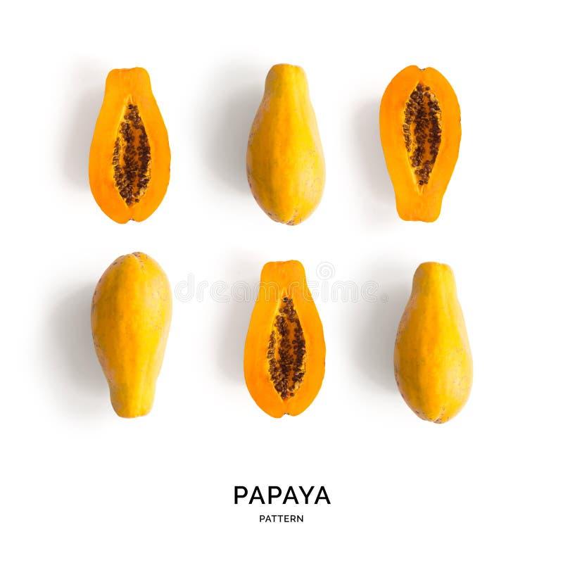 Modello senza cuciture con la papaia Priorità bassa astratta tropicale Papaia sui precedenti bianchi immagine stock libera da diritti