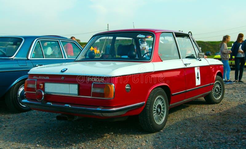 Modello tedesco d'annata di BMW Alpina 2002 dell'automobile sul festival di retro Te immagini stock