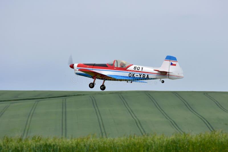 Modello Zlin dell'aereo del giocattolo di RC fotografia stock