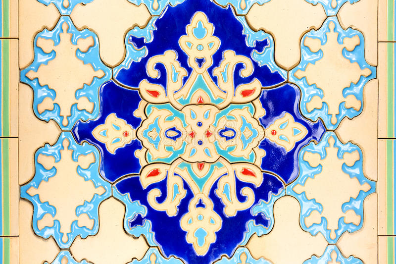 Modelltusen dollar Sultan Qaboos Mosque royaltyfri fotografi