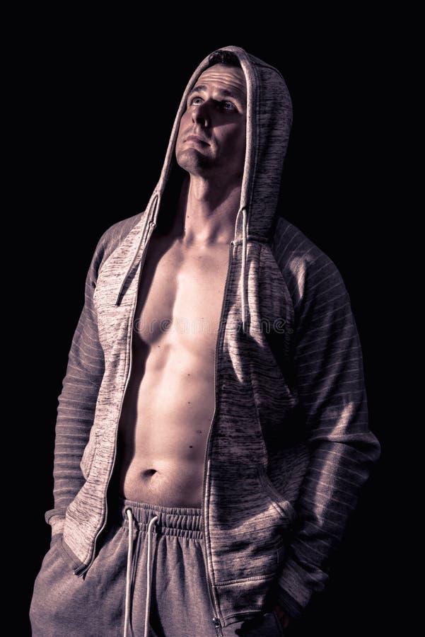 Modelo atlético da aptidão do homem foto de stock