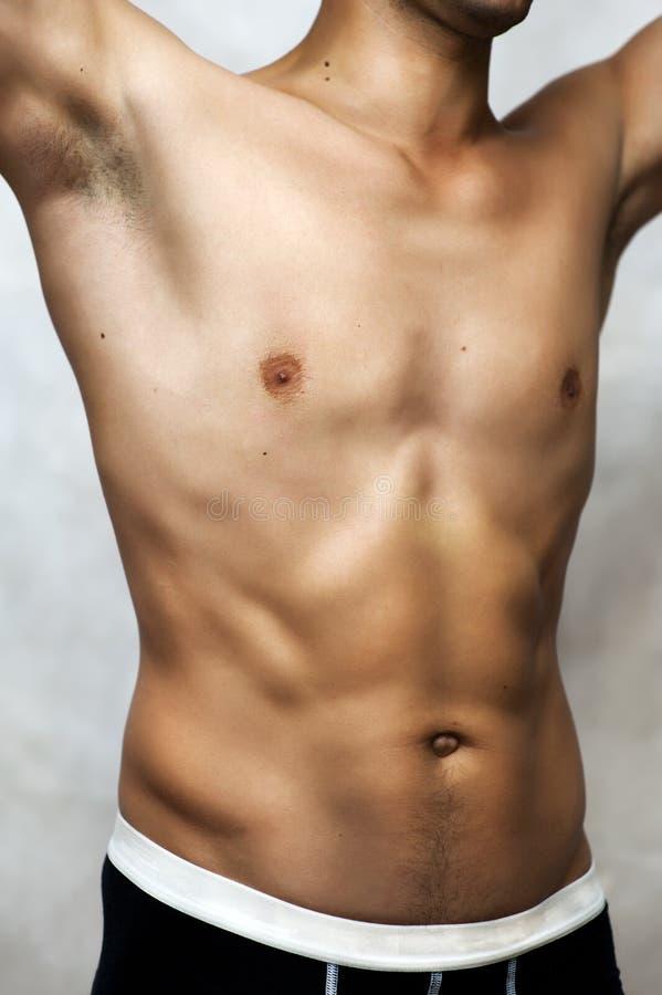 ba6eebe1645f imágenes comunes del Hombre Mojado Atractivo Joven Muscular En Ropa ...