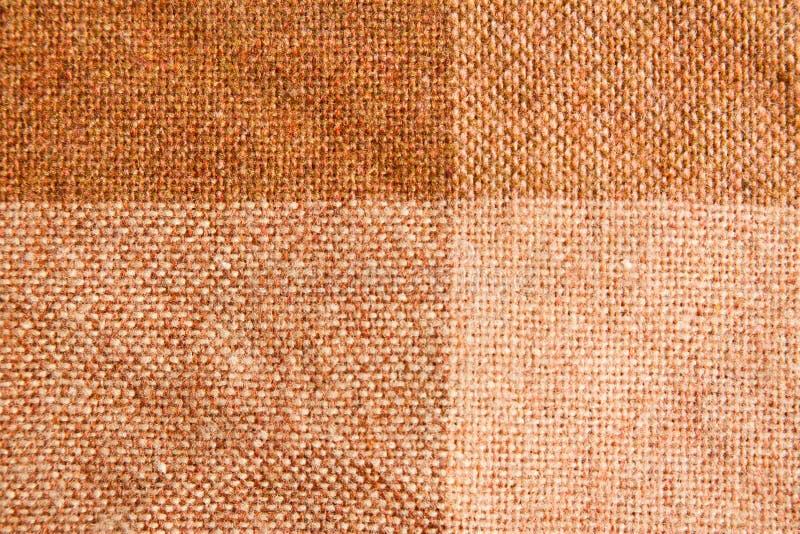 Modelo Checkered de la tela de Brown imagenes de archivo