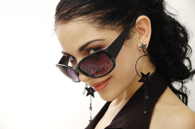 Modelo com óculos de sol imagem de stock