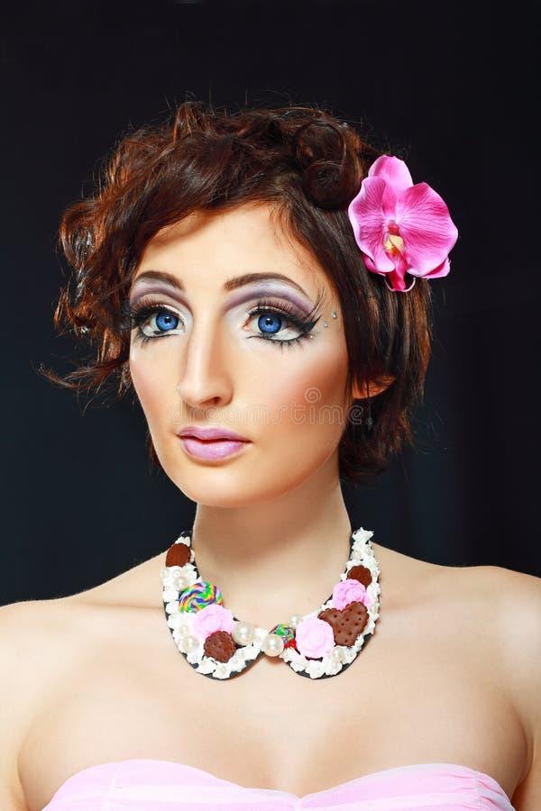 Modelo con el maquillaje de barbie imagen de archivo libre de regalías