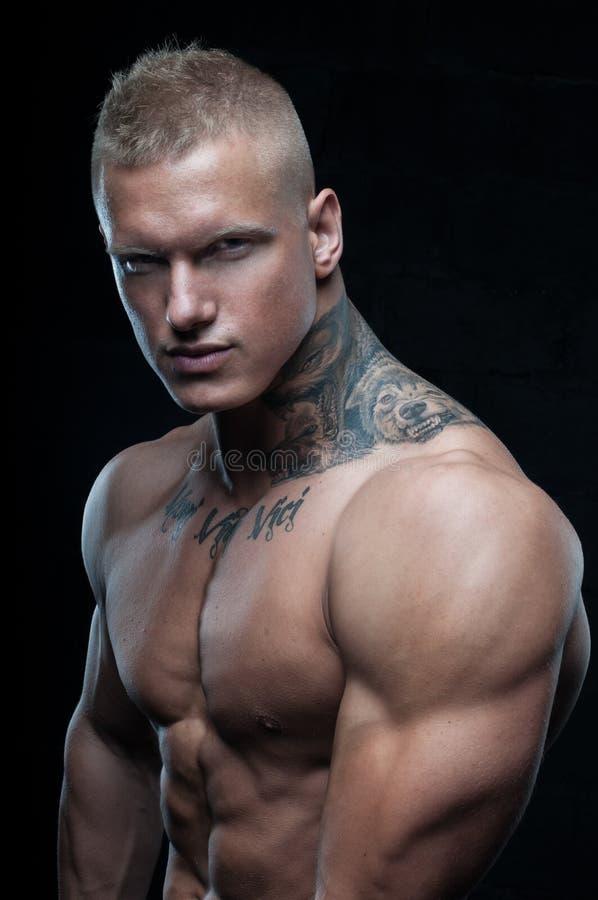 Modelo con el tatuaje imágenes de archivo libres de regalías