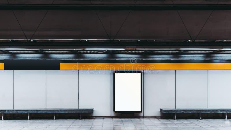 Modelo da bandeira vazia da informação no metro fotos de stock