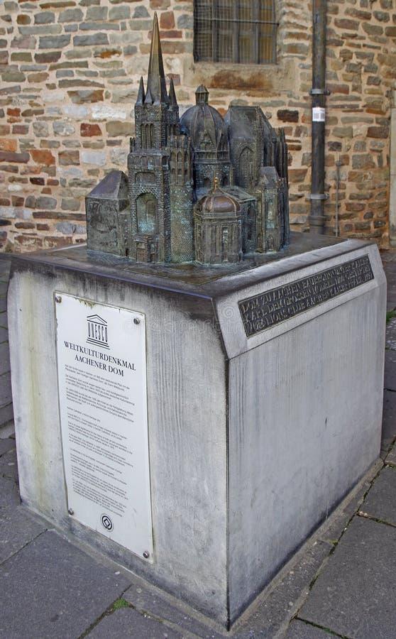 Modelo da catedral de Aix-la-Chapelle, o local do patrimônio mundial fotografia de stock royalty free