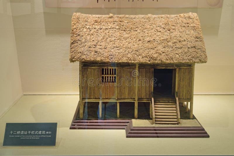 Modelo da China-escala de Chengdu da casa afetado de madeira desenterrada fotos de stock