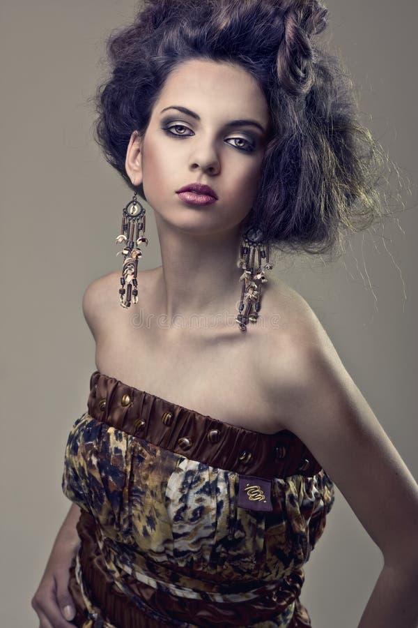 Modelo da rapariga do cabelo da forma foto de stock