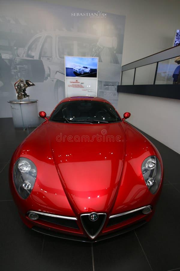 Modelo de Alfa Romeo 8C Competizione na exposição no museu histórico Alfa Romeo imagem de stock