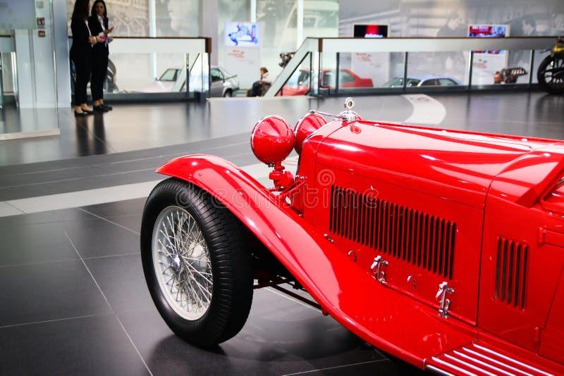 Modelo de Alfa Romeo 8C 2300 Mille Miglia na exposição no museu histórico Alfa Romeo imagens de stock royalty free