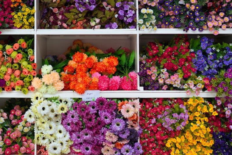 Modelo de flores hermosas foto de archivo libre de regalías