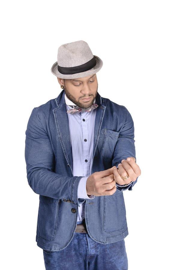 Modelo de forma afro-americano do homem novo no chapéu imagem de stock
