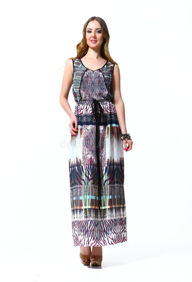 Modelo de forma bonito da mulher da atividade no lenghth completo d do verão fotos de stock