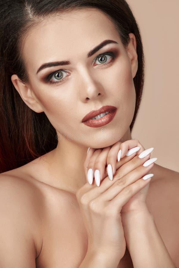 Modelo de forma da beleza fotografia de stock royalty free