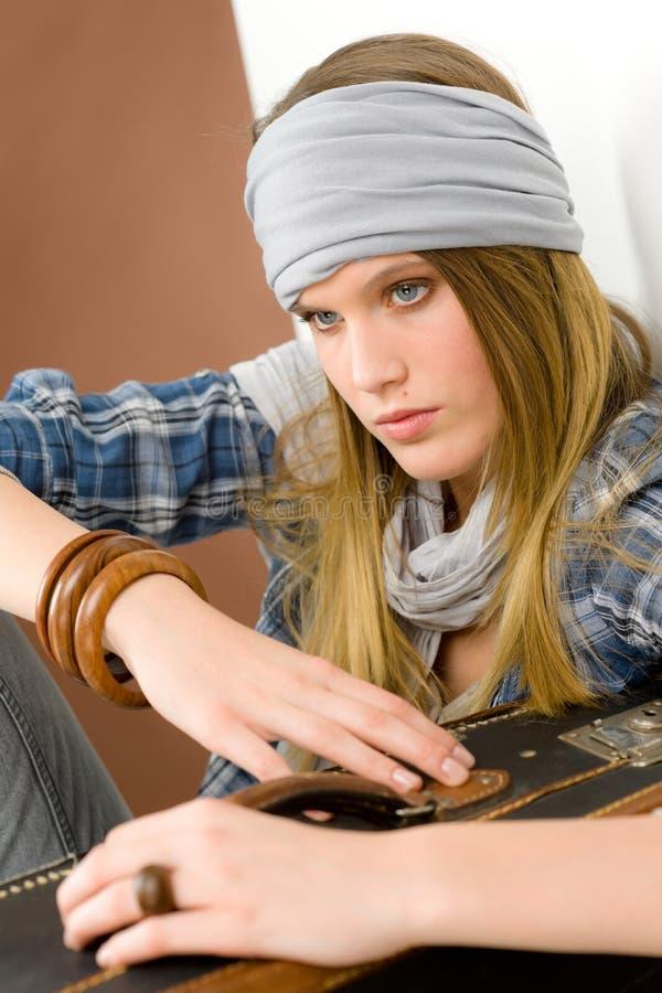 Modelo de forma - estilo de país da mulher nova foto de stock royalty free