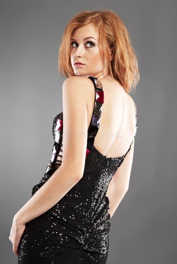 Modelo de forma red-haired 'sexy' fotografia de stock