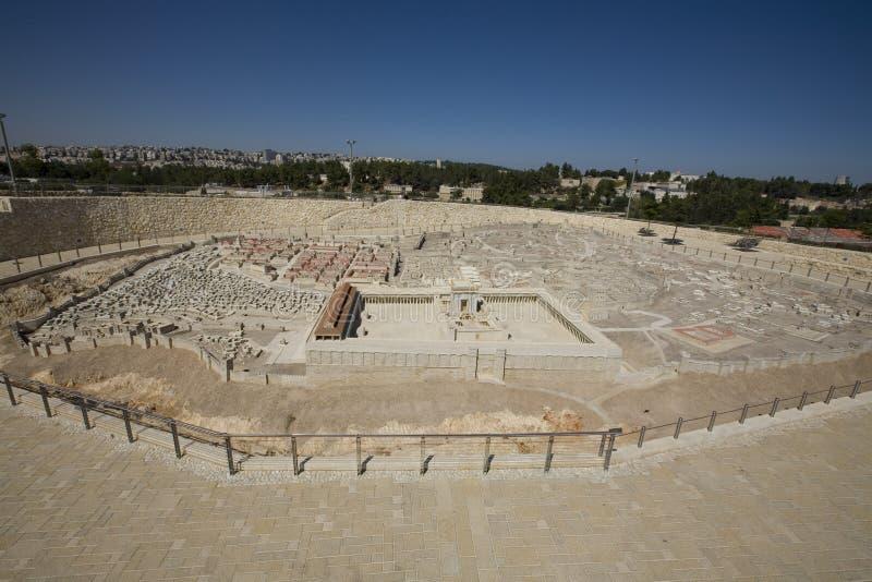 Modelo de Jerusalem antigo, cidade nova no fundo imagem de stock