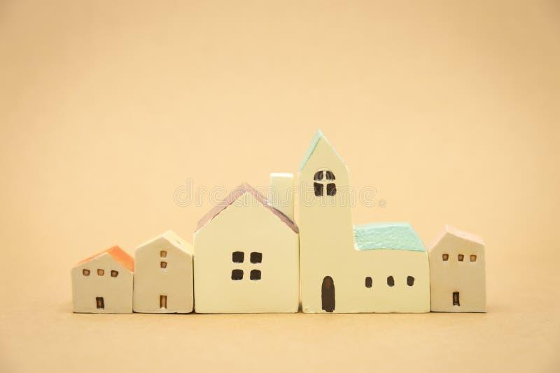 Modelo modelo de la casa el usar como concepto del negocio del fondo y concepto de las propiedades inmobiliarias con el espacio d imagen de archivo