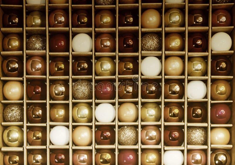 Modelo de rejilla colorido del fondo de los decoros de cristal del día de fiesta del vintage fotografía de archivo libre de regalías