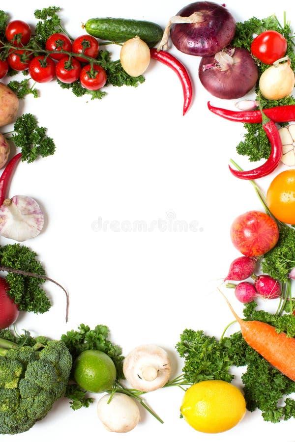Modelo decorativo de verduras frescas en blanco fotografía de archivo
