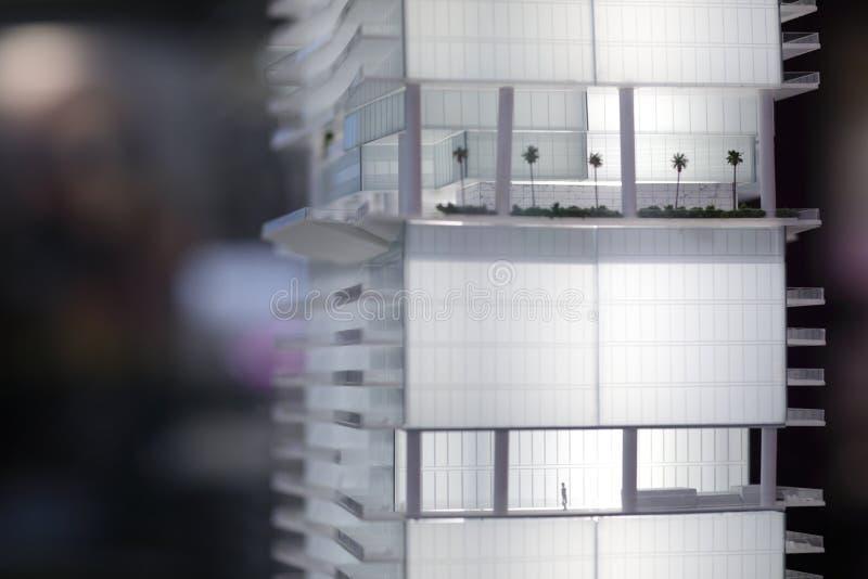 Modelo diminuto de uma construção fotografia de stock